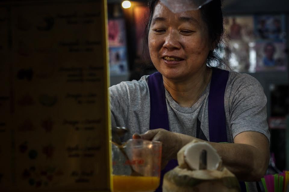 Street food in Bangkok - Marley working at her stall on Sukhumvit Soi 38. Photo by AnaSalvá