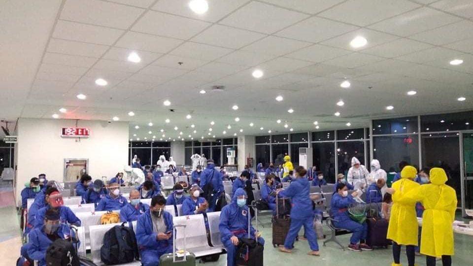 OFWs arriving on the DFA chartered flight from Bangladesh (dfa.gov.ph)